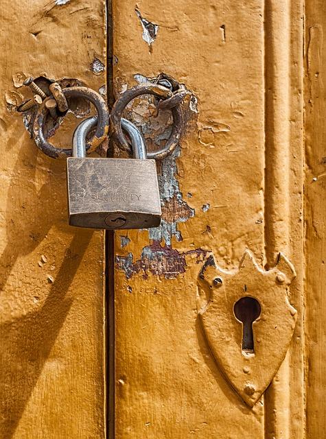 kapı kilitlemek ve açmak