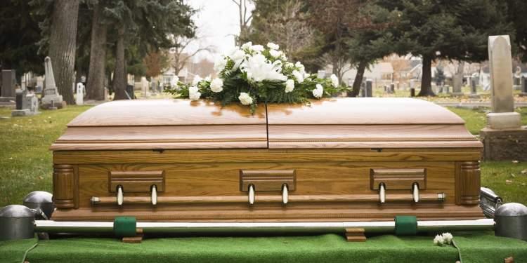 ablanın cenazesini görmek