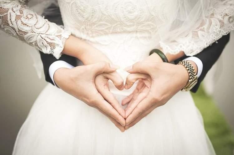 ablanın evlendiğini görmek