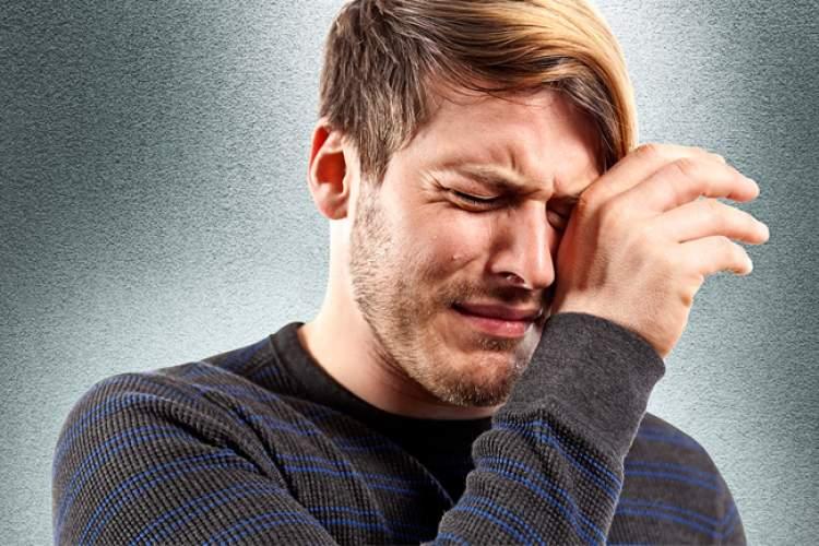 ağlayan erkek görmek