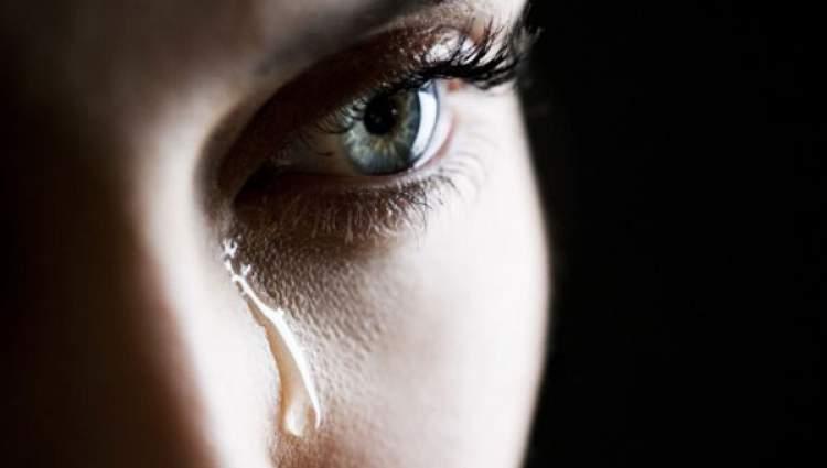 ağlayan görmek