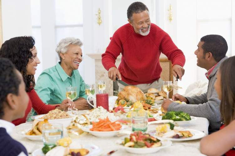 akrabalarla yemek yemek