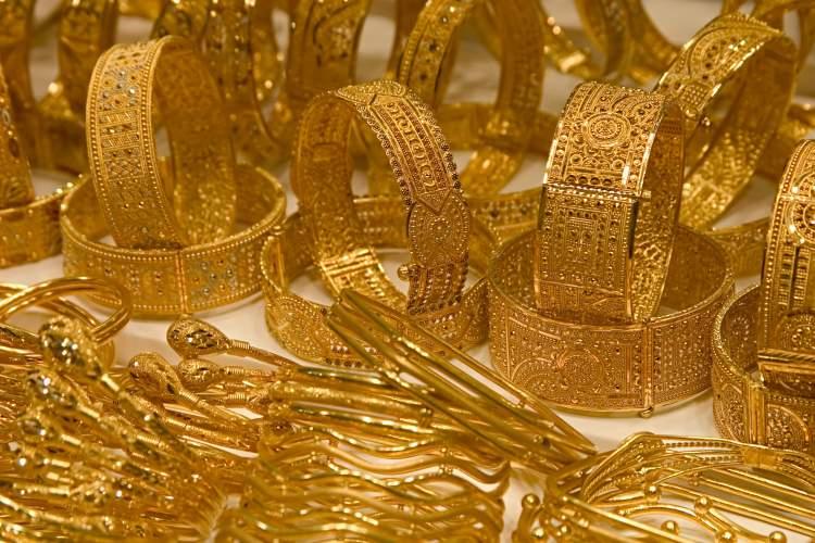 Rüyada Altın Bilezik Hediye Almak