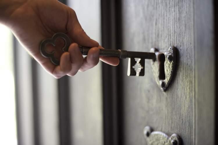 anahtar ve kilit görmek