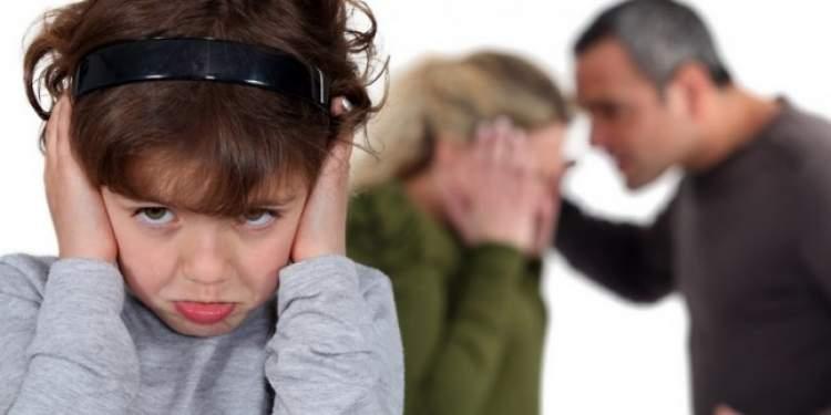 anne babayı üzgün görmek