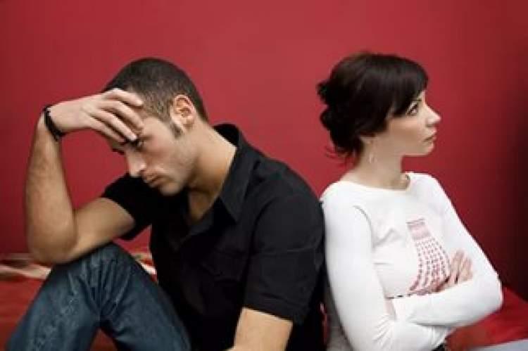 anne ve babasının boşandığını görmek