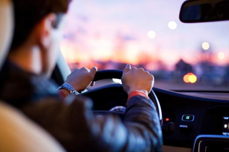 Rüyada Araba Almak Ve Sürmek