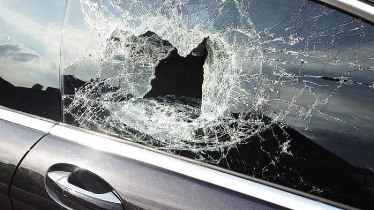 araba camı kırılması