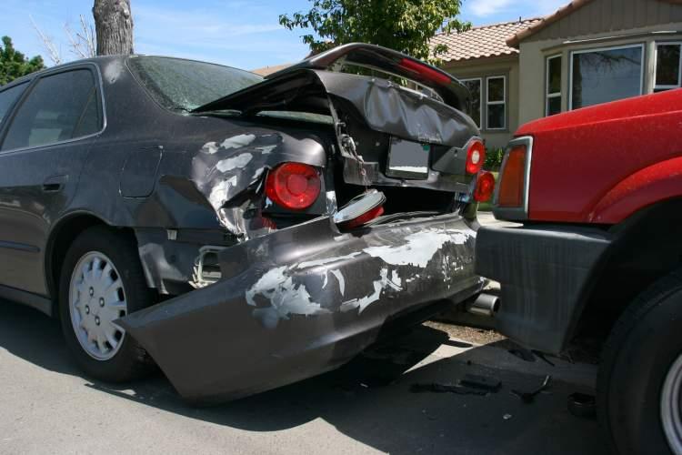 Rüyada Araba Kazası Yapmak