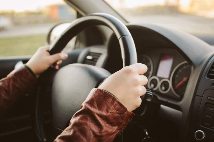 araba kullanmayı öğrenmek