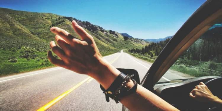 Rüyada Arabayla Uzun Yola Gitmek