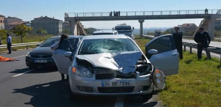 arkadaşına araba çarptığını görmek