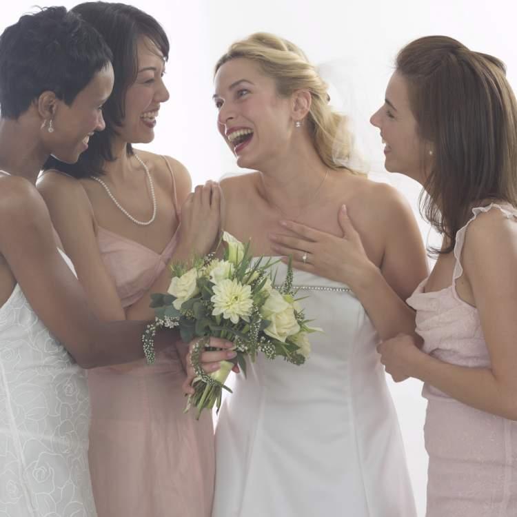 arkadaşını evlenirken görmek