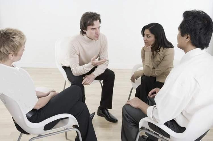 arkadaşlarla sohbet etmek