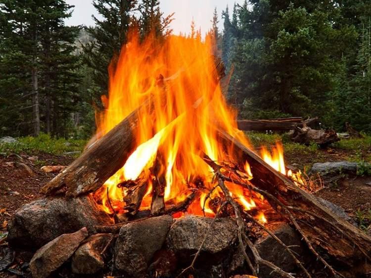 ateş yandığını görmek