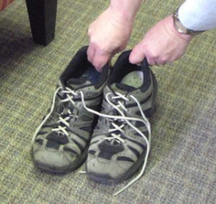ayakkabı çalmak