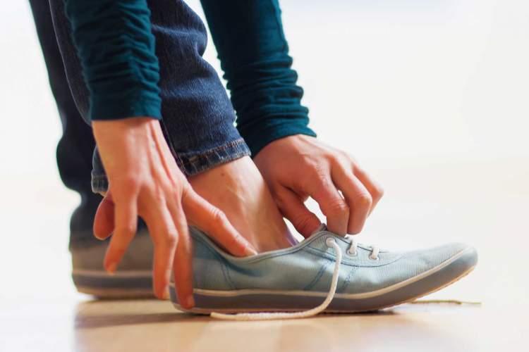ayakkabının çalındığını görmek