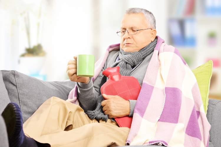 babanın hasta olduğunu görmek
