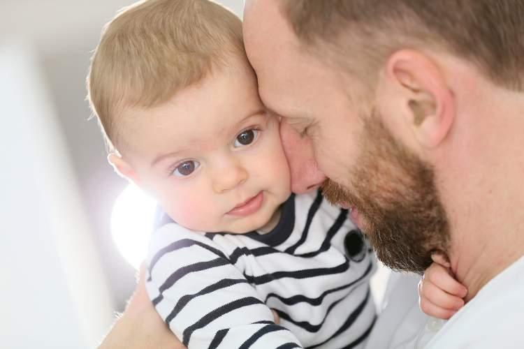 başkasının kucağında erkek bebek görmek