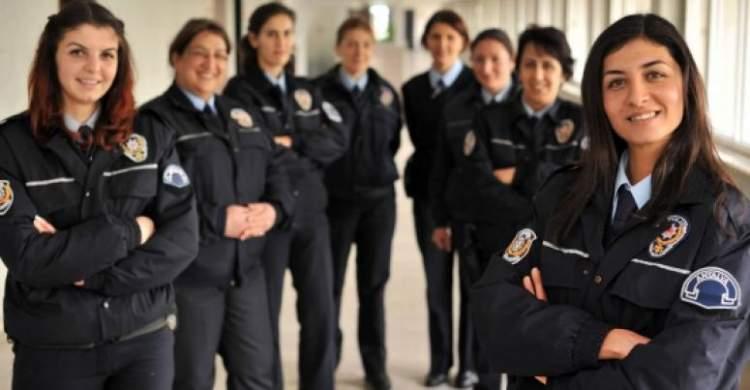 bayan polis görmek