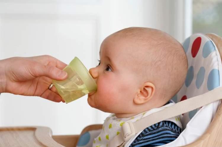 Rüyada Bebeğe Su Vermek