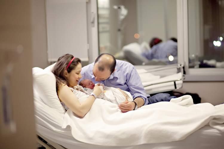 bebeğin hamile olduğunu görmek