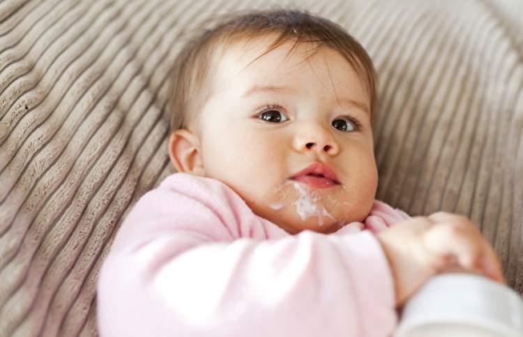 bebeğin kusması