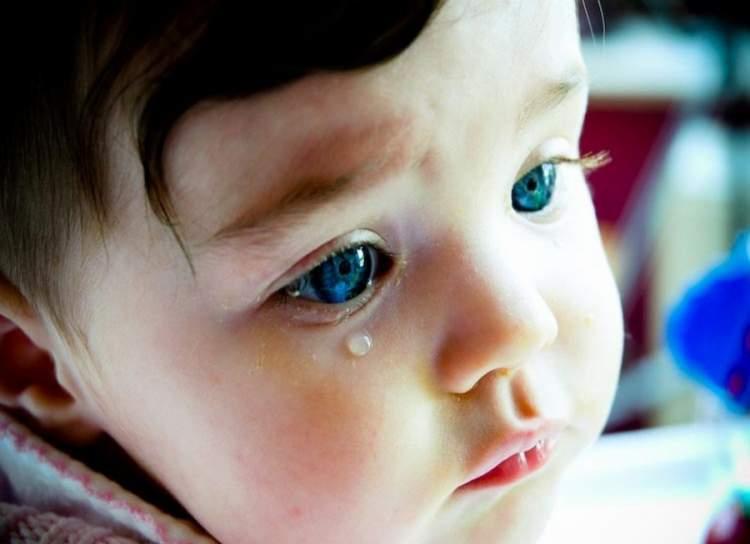 bebek ağladığını görmek