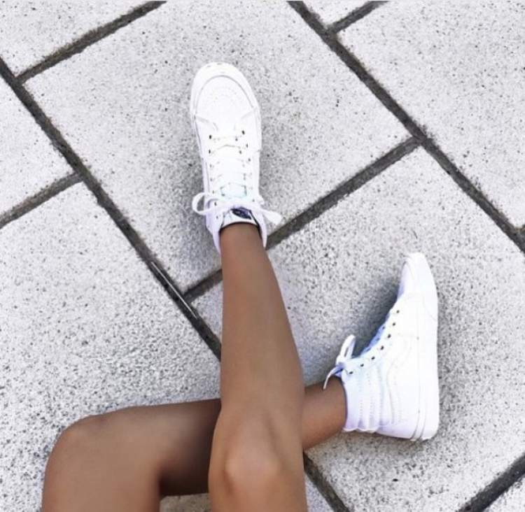 Rüyada Beyaz Ayakkabı Görmek