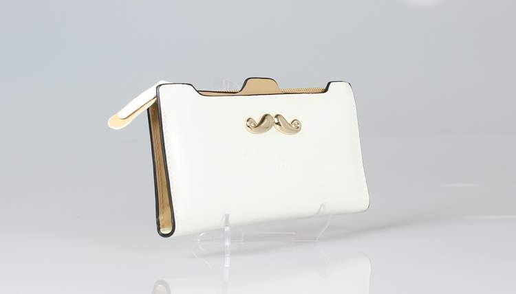 beyaz cüzdan görmek