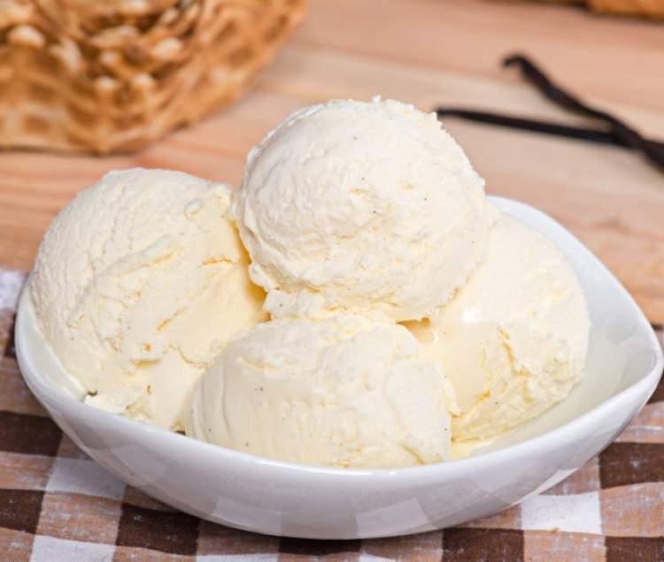 beyaz dondurma yemek