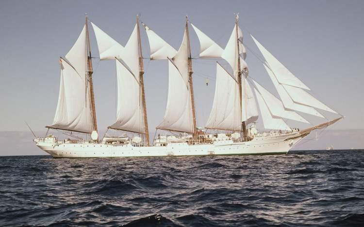 beyaz gemi görmek