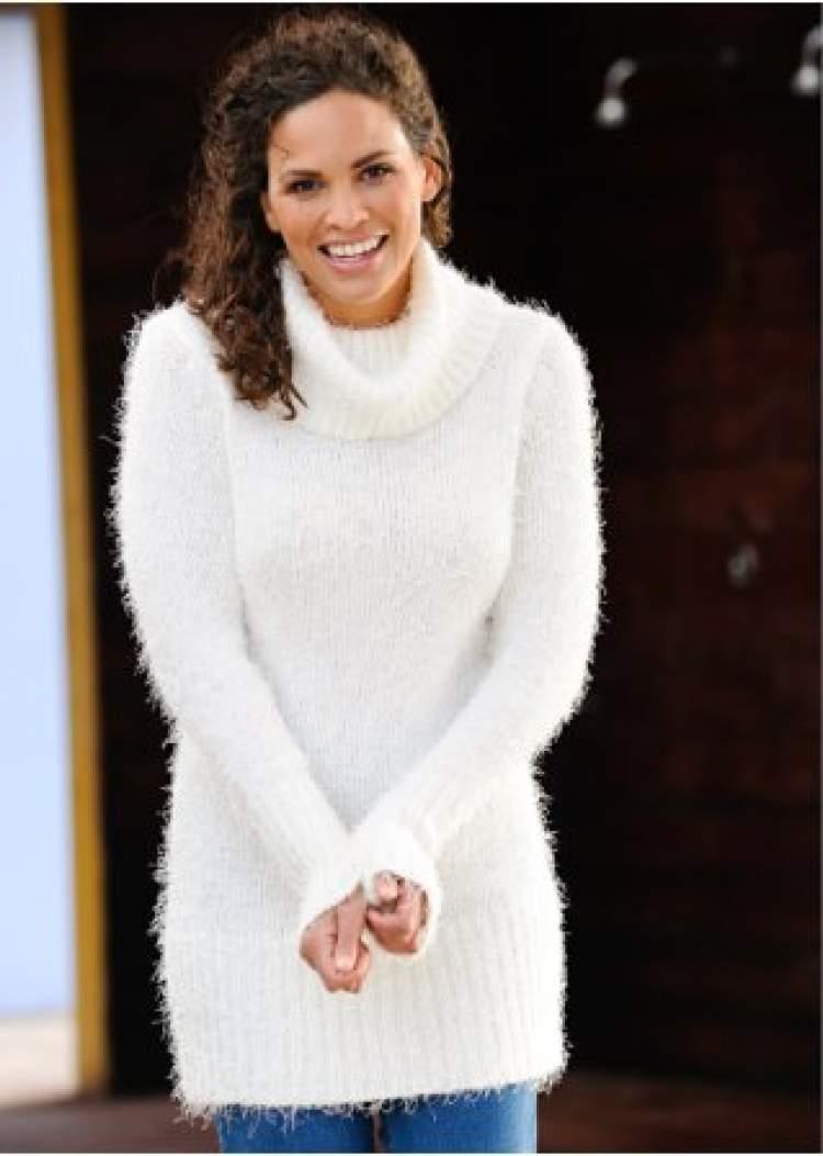 beyaz kazak giymek