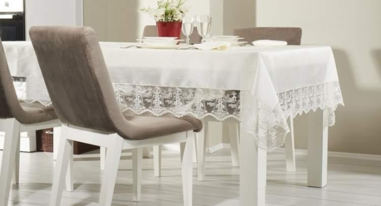 beyaz masa örtüsü görmek