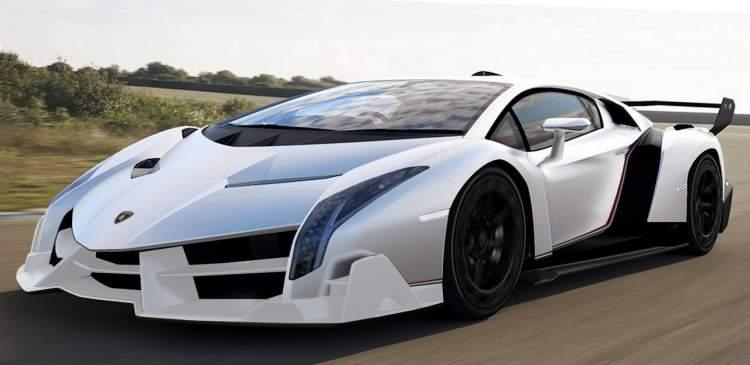 beyaz spor araba görmek