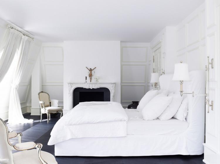 beyaz yatak görmek