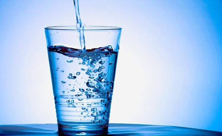 bir bardak su içmek