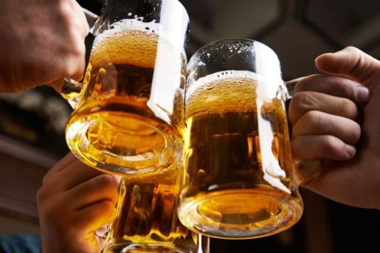 bira içtiğini görmek