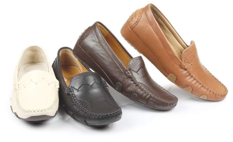 birçok ayakkabı görmek