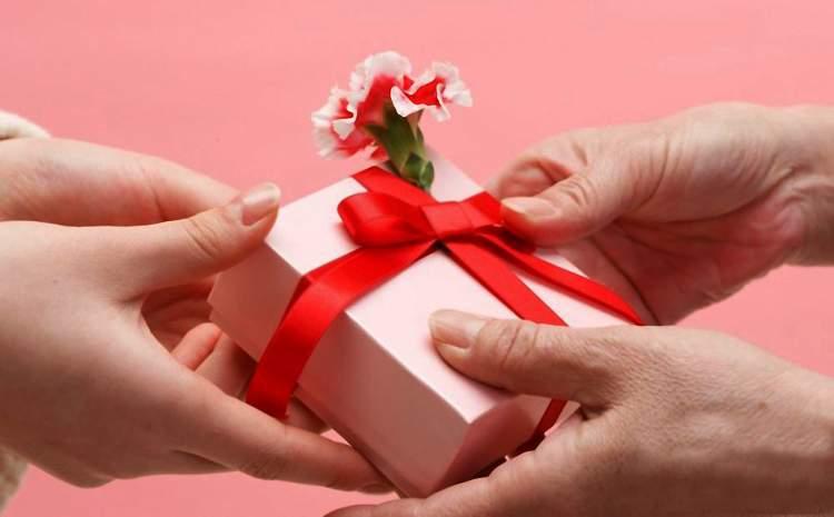 birinden hediye almak