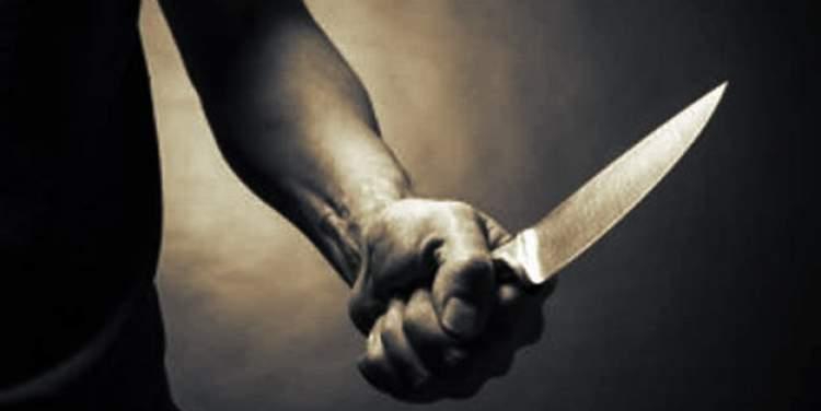 birini bıçakla öldürmek