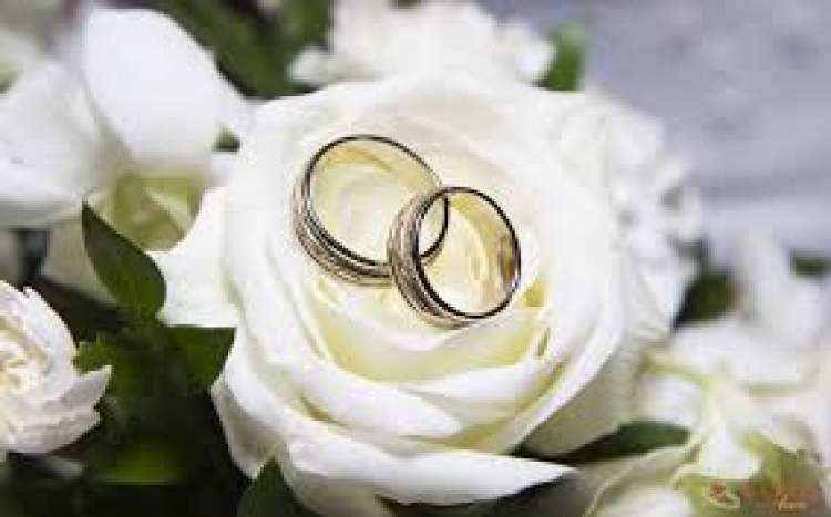 birini evlenirken görmek