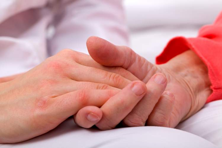 Rüyada Birinin Kanser Olduğunu Öğrenmek