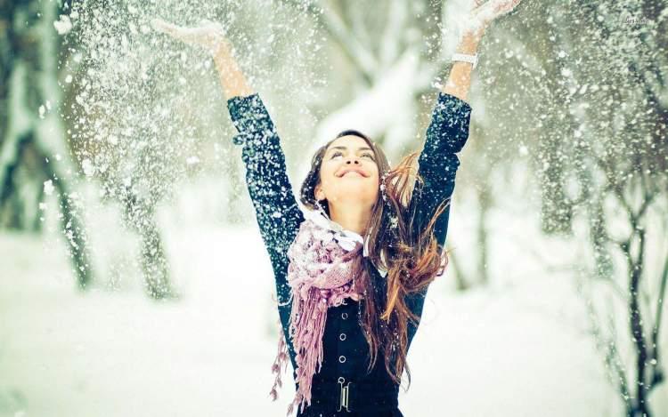 Rüyada Birinin Üstüne Kar Yağdığını Görmek