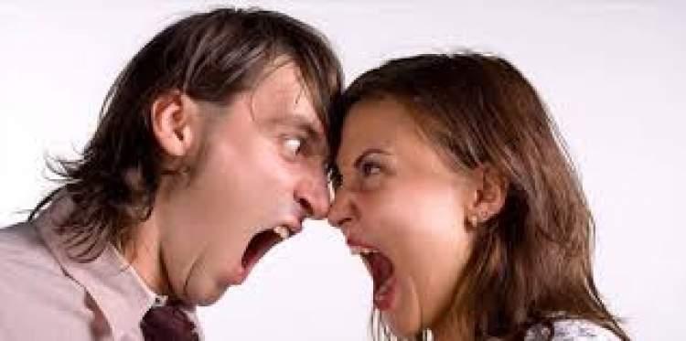 biriyle tartışmak bağırmak