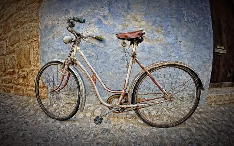 Rüyada Bisikletin Lastiğinin Patladığını Görmek