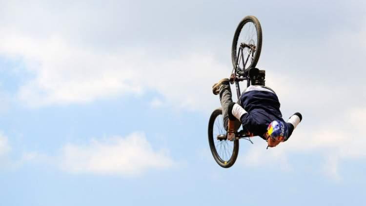 Rüyada Bisikletle Uçmak