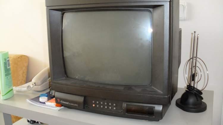 bozuk televizyon görmek