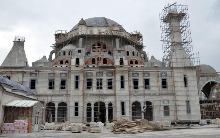 cami inşaatı görmek