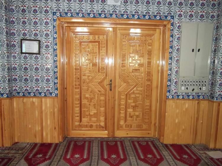 cami kapısı görmek